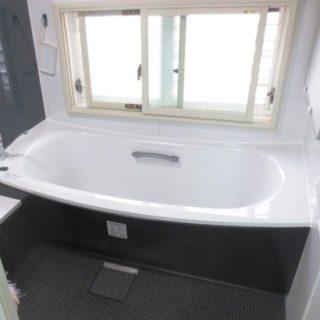 モノトーンがクールな浴室・洗面リフォーム