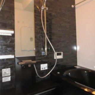 2Fのモダン浴室のリフォーム