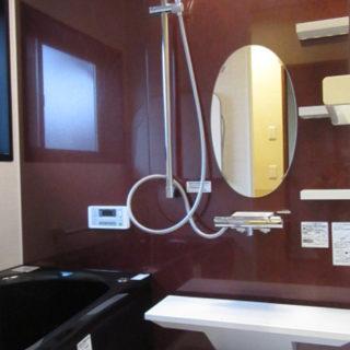 タイル風呂からブラックの浴槽が素敵なシステムバスに