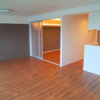 明るく開放的なLDK・バリアフリーの居室空間