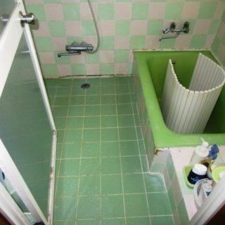 外からの目線が気にならなくなった浴室リフォーム