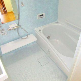 バリアフリーで浴槽が大きくなった1216浴室のリフォーム
