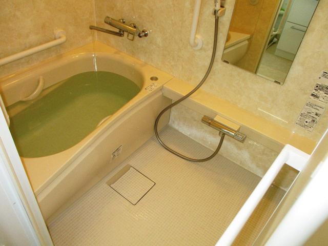 梁が干渉するマンションの浴室リフォーム!
